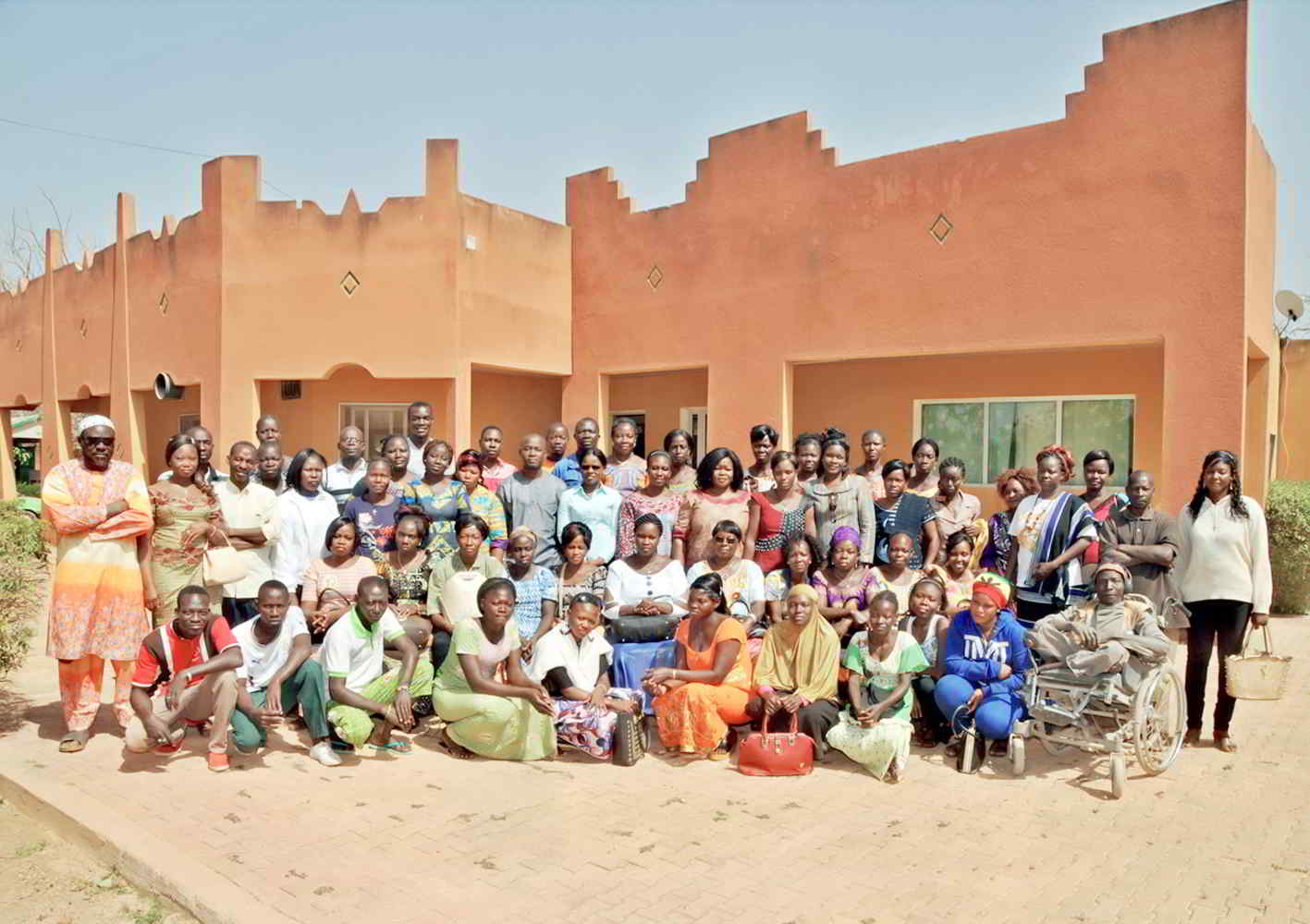 photo de famille du personnel de la ferme spiruline Nayalgué